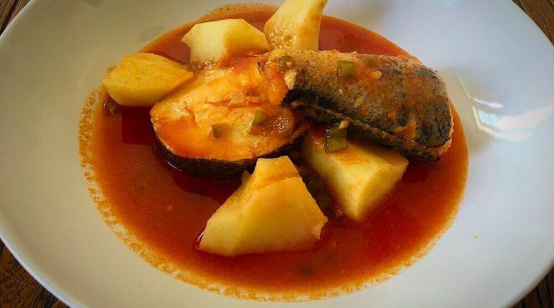 Caldereta de merluza cocinar para cuatro for Cocinar filetes de merluza