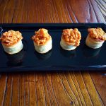 Mini volovanes de salmón y gambones en salsa americana