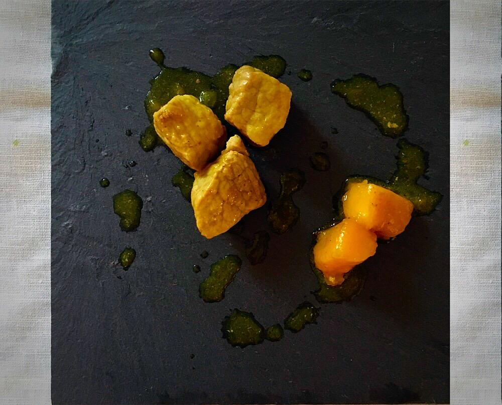 Cerdo al curry con mango