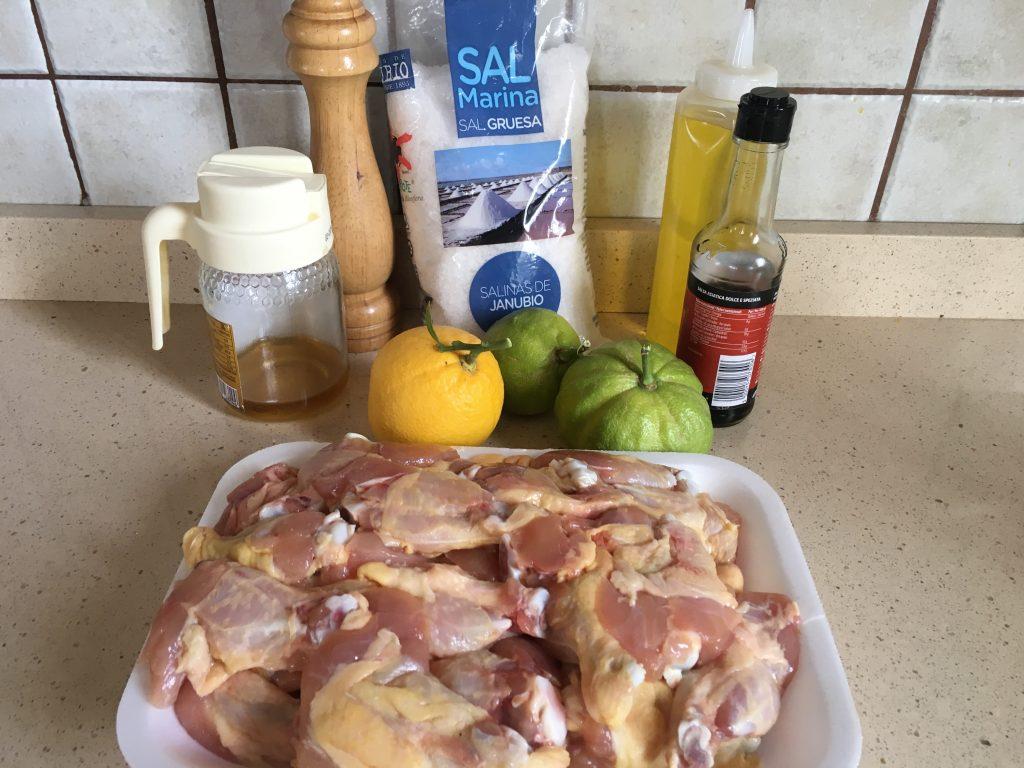 Ingredientes de alitas de pollo con miel, soja y cítricos