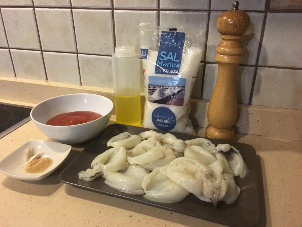 Ingredientes para chocos en salsa de tomate y jengibre