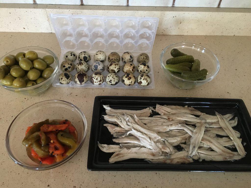 Ingredientes para Banderilla de boquerón y huevo de codorniz