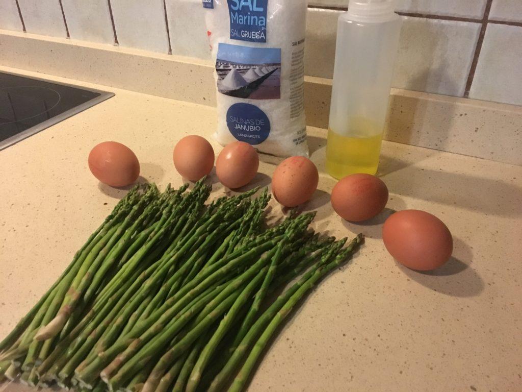 Ingredientes para tortilla de espárragos