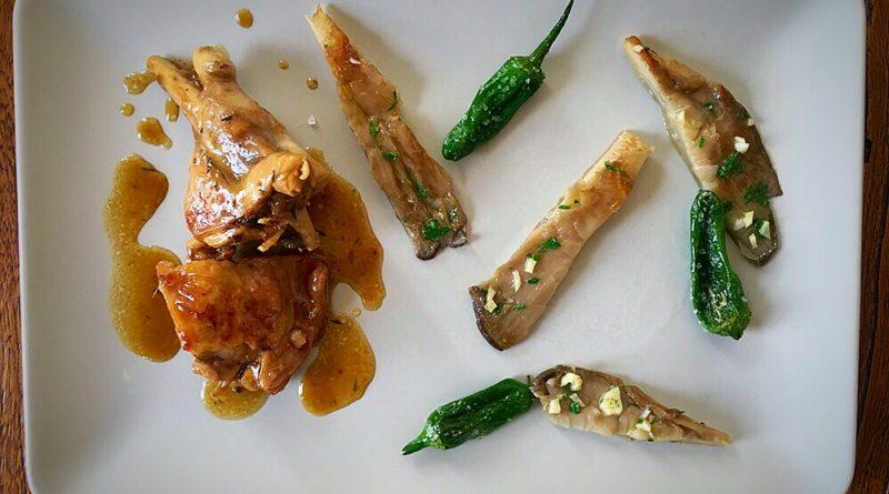 Conejo aromático en salsa