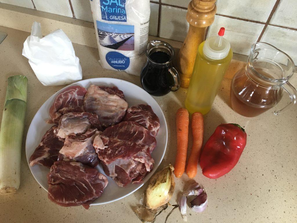 Ingredientes para Carrilleras de cerdo al vino tinto