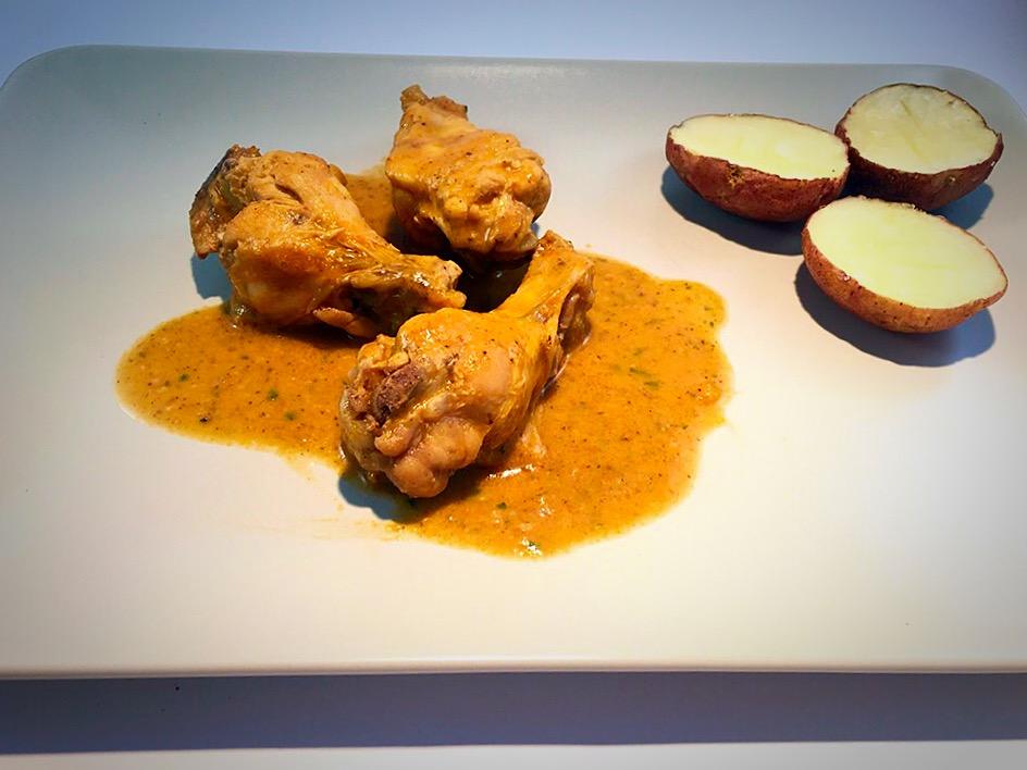 Alitas de pollo con salsa de champiñones