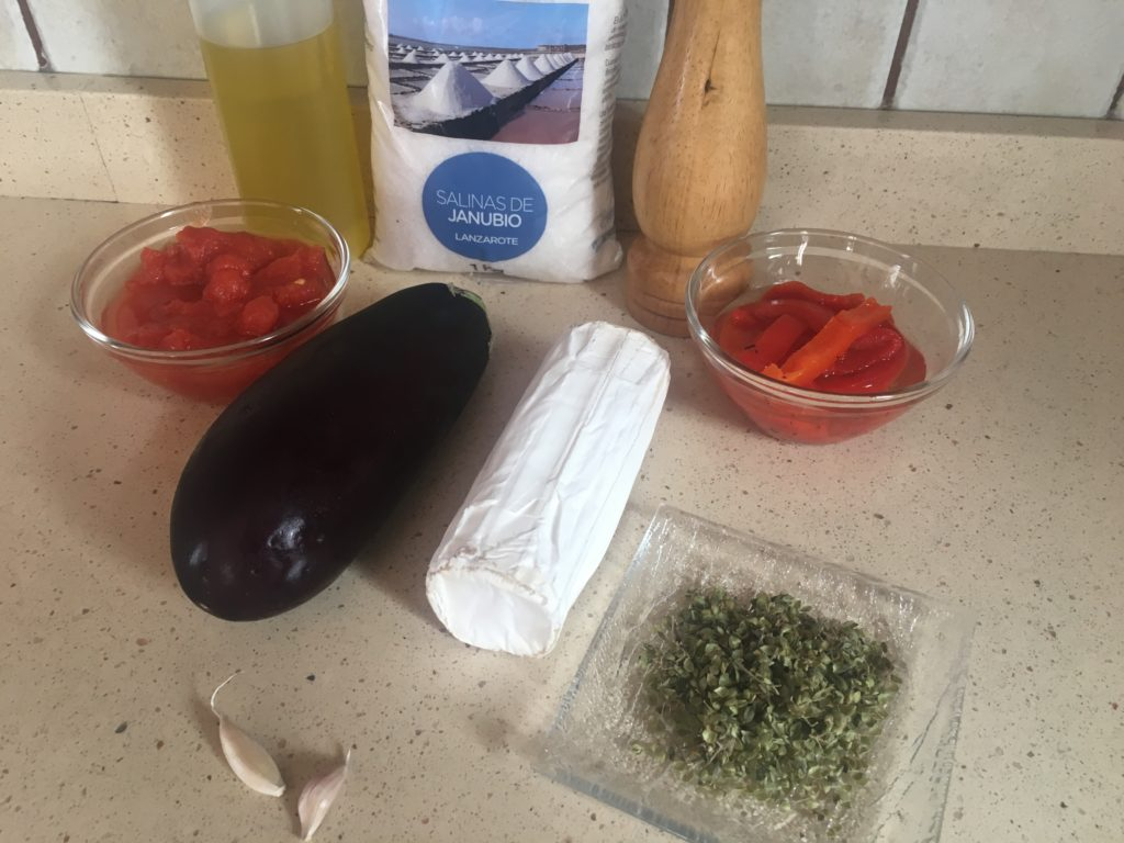 Ingredientes para Berenjena, tomate especiado y rulo de cabra