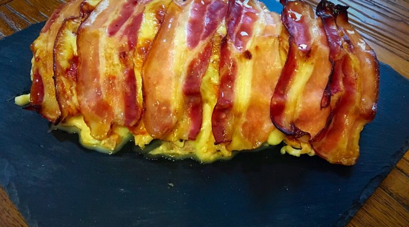Pastel de pollo, bacon y queso