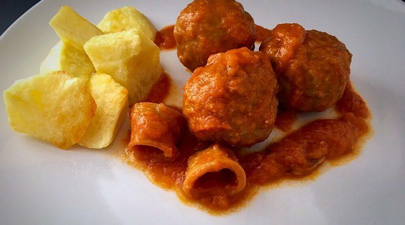 Albóndigas de ternera con salsa de chipirones