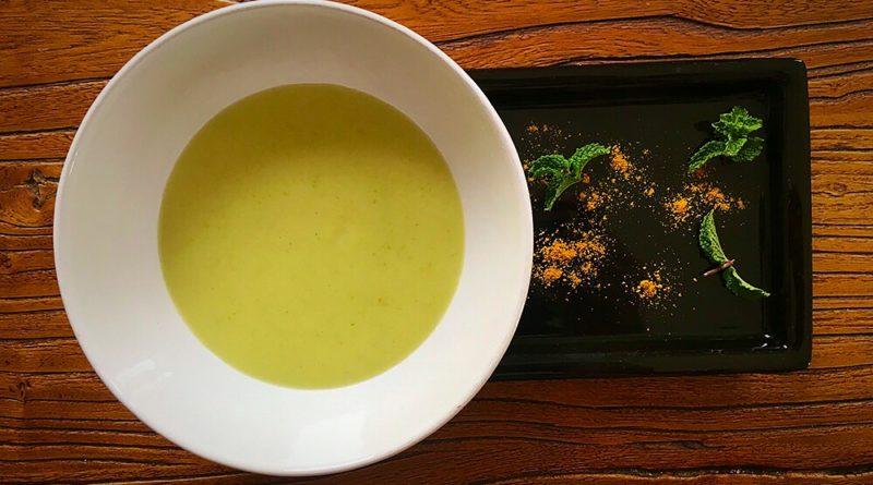 Crema fría de calabacín al curry