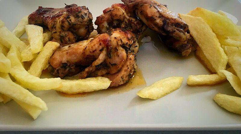 Alitas de pollo especiadas y en salsa