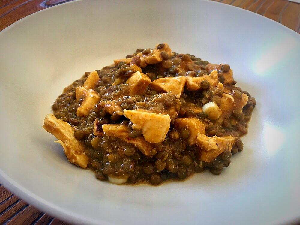 Lentejas con pollo al curry