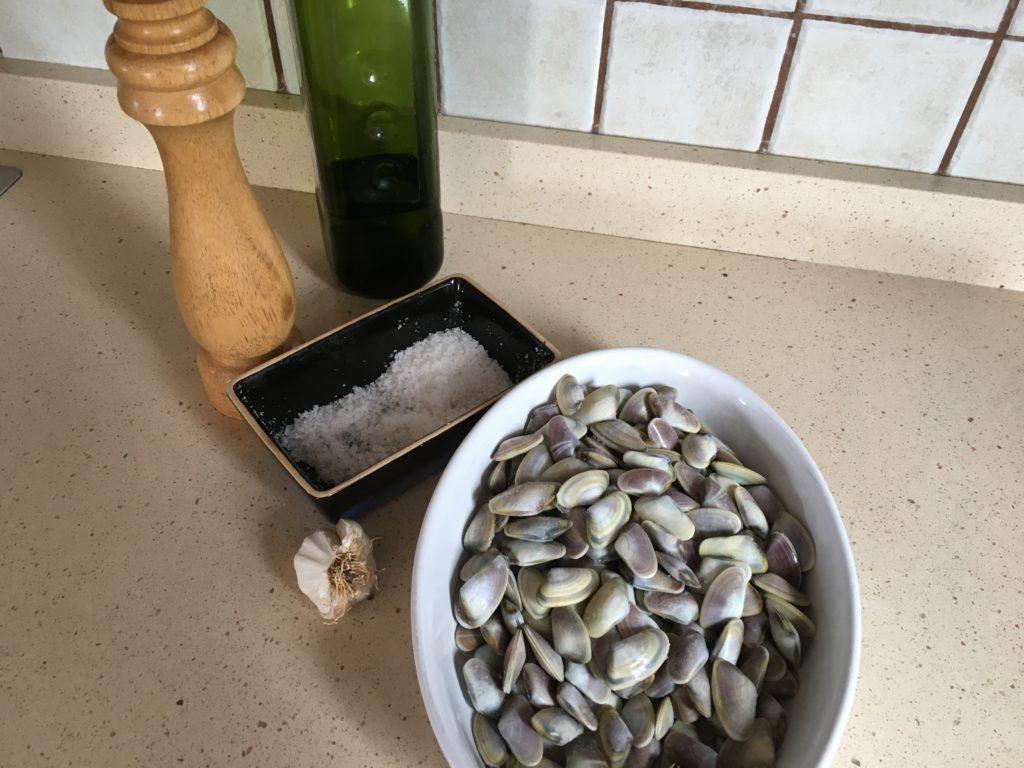 Ingredientes para Coquinas al ajillo