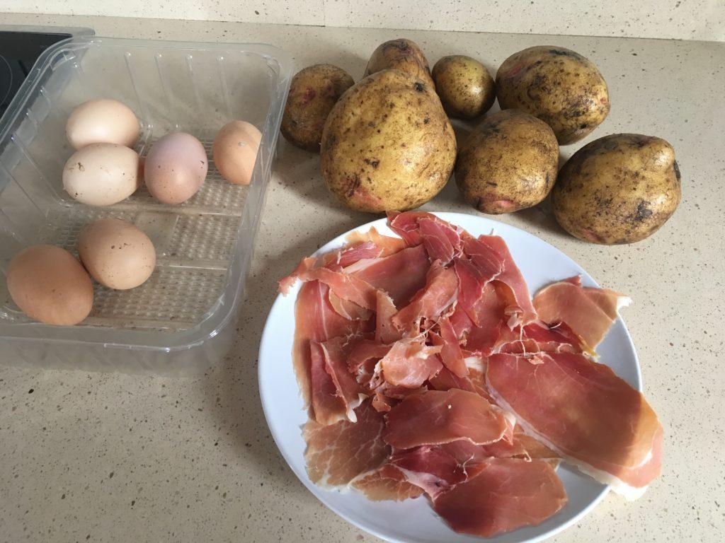 Ingredientes para Huevos rotos con jamón