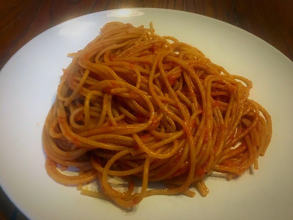 Espaguetis alla arrabbiata