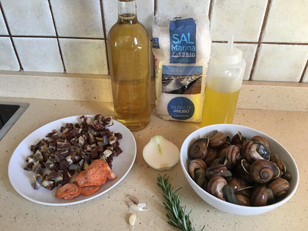 Ingredientes para Caracoles con jamón y pepperoni