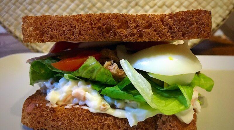 Sandwich revolutum