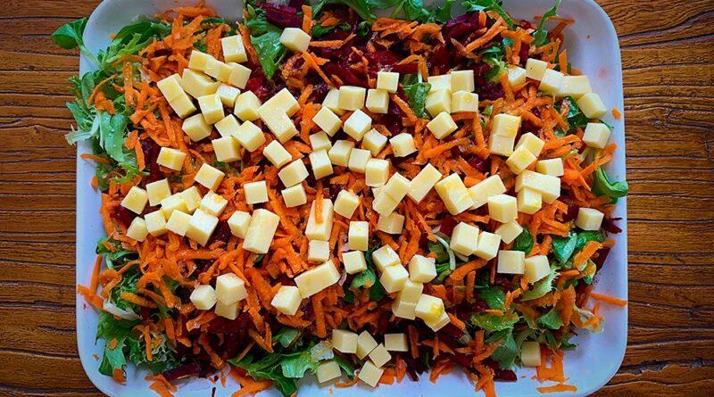 Ensalada de remolacha con queso