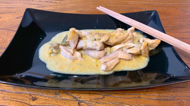 Pollo con curry rojo
