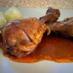 Muslos de pollo a la vizcaína con nueces