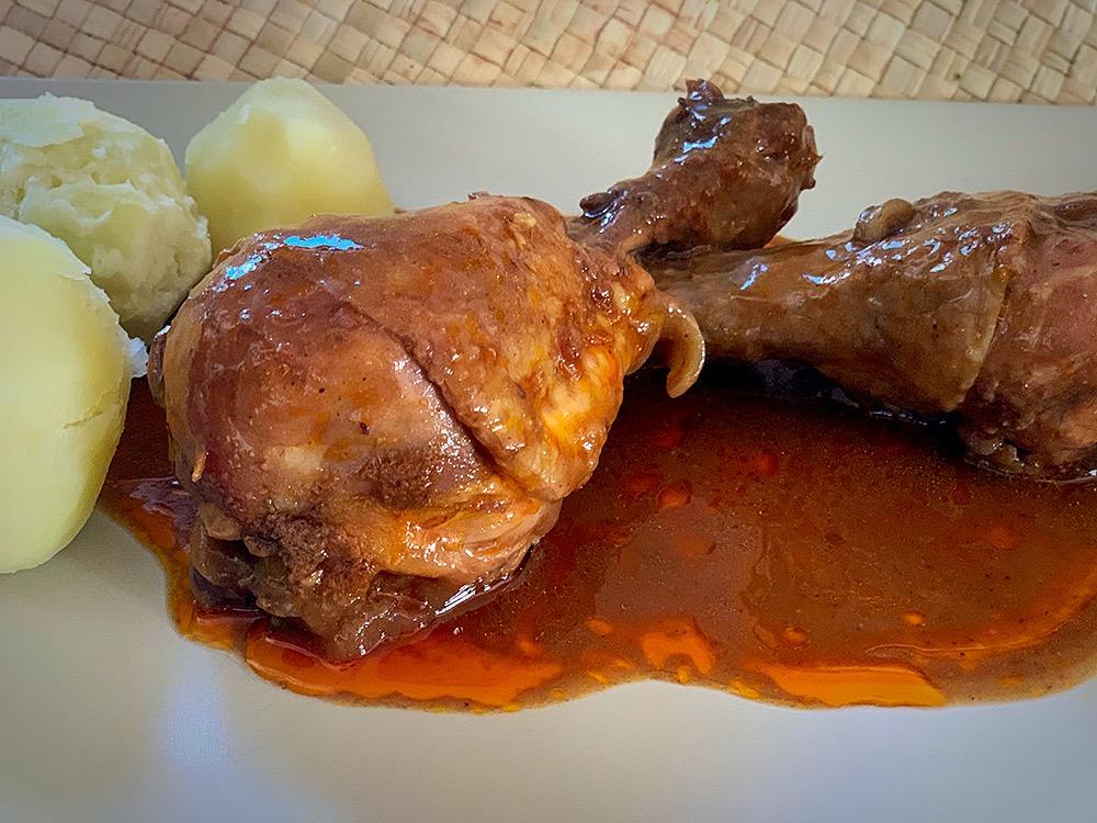 Pollo a la vizcaína con nueces