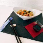 Noodles de arroz, pollo y verduras