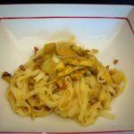 Noodles con pollo especiado