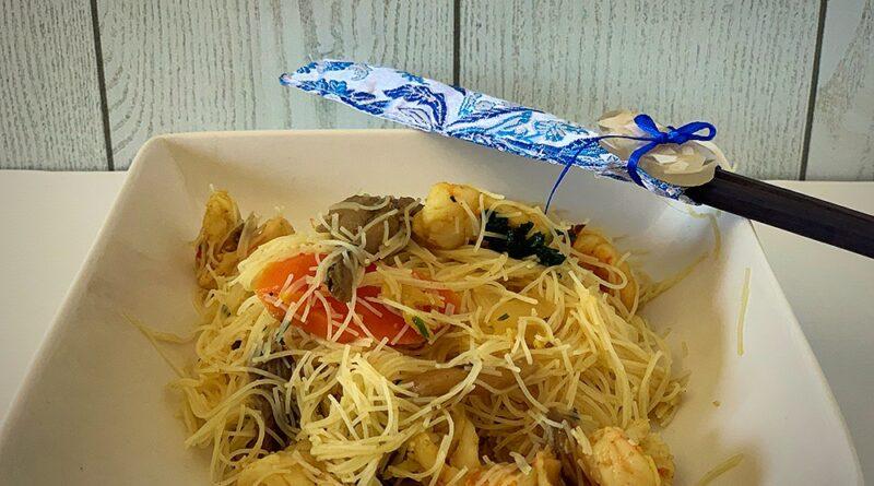 Noodles con setas y langostinos