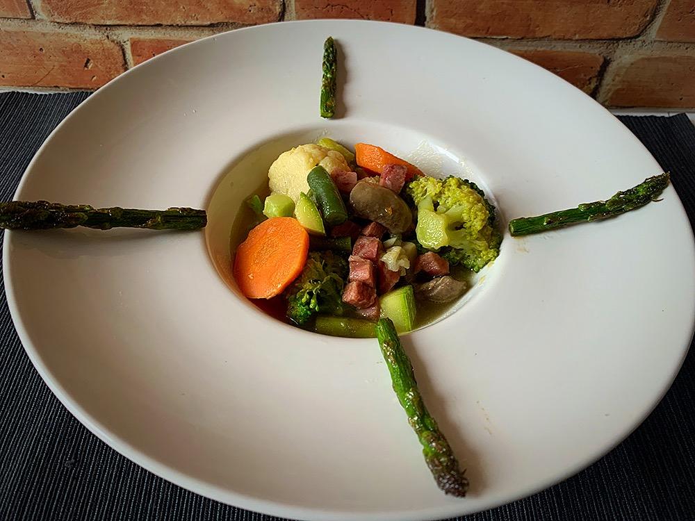 Menestra De Verduras Con Su Caldo Cocinar Para Cuatro