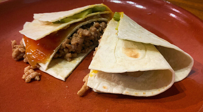Tortilla trend con cerdo teriyaki y yema curada en soja y PX