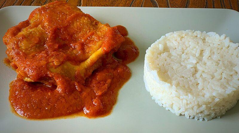 Contramuslos de pollo con salsa de tomate casera