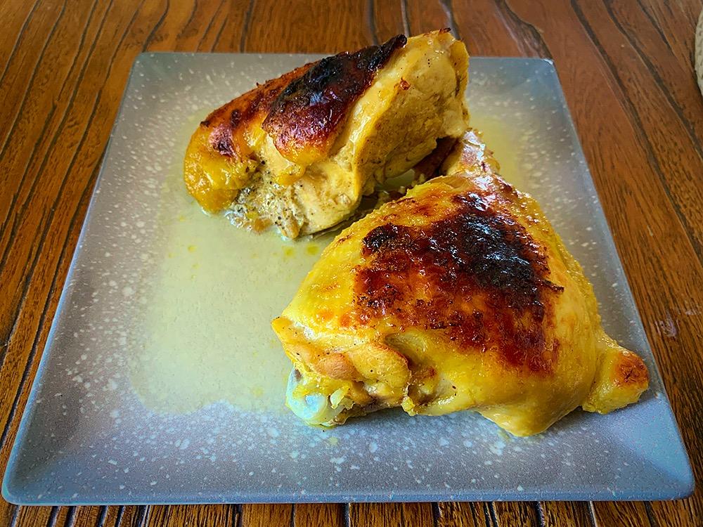 Pollo crujiente confitado en leche
